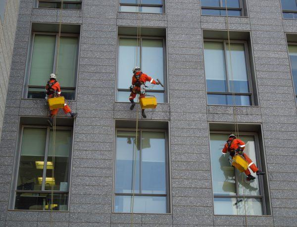 Najlepsza firma w Krakowie – EJAS – usługi wysokościowe